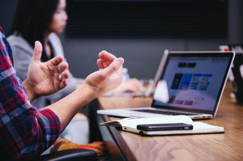 استشارات وتطوير الأعمال