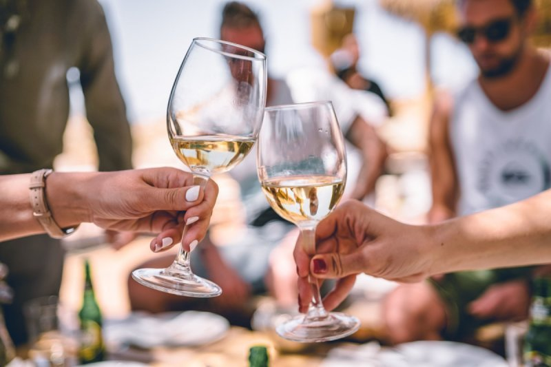 Kent Wine Tour Experience for Locals