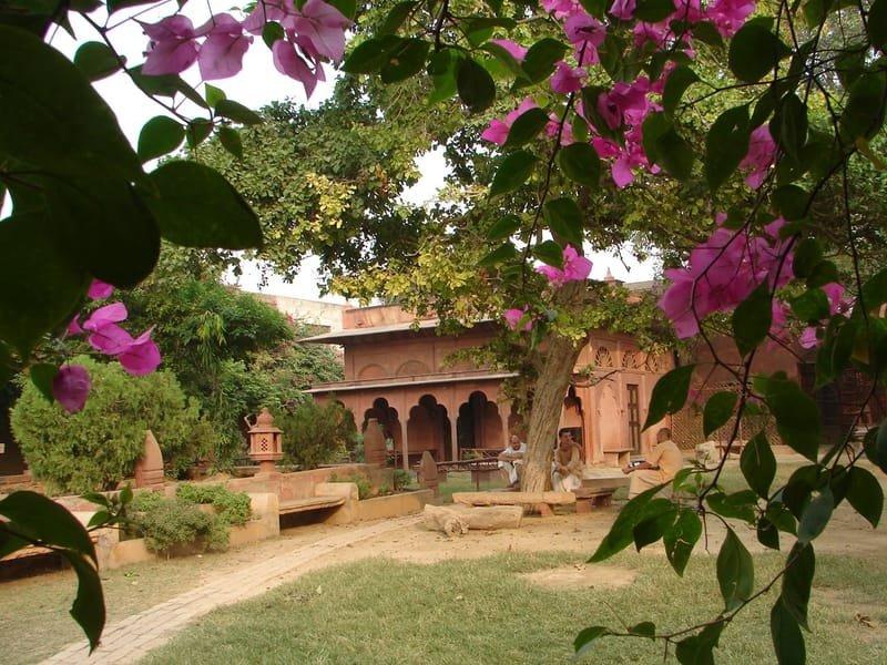 Eko centra a ášramy