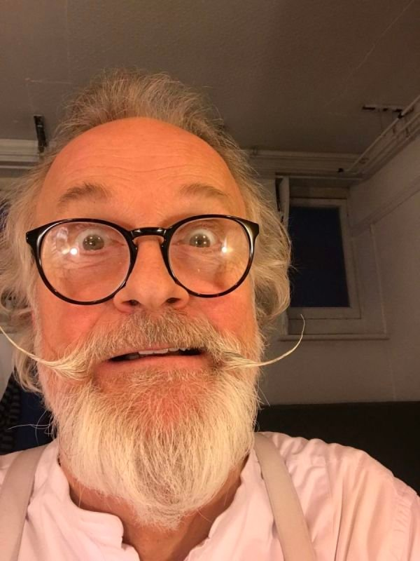 CAPTAIN SHAW FACIAL HAIR. 'IOLANTHE'.  ENO, COLISEUM 2018.