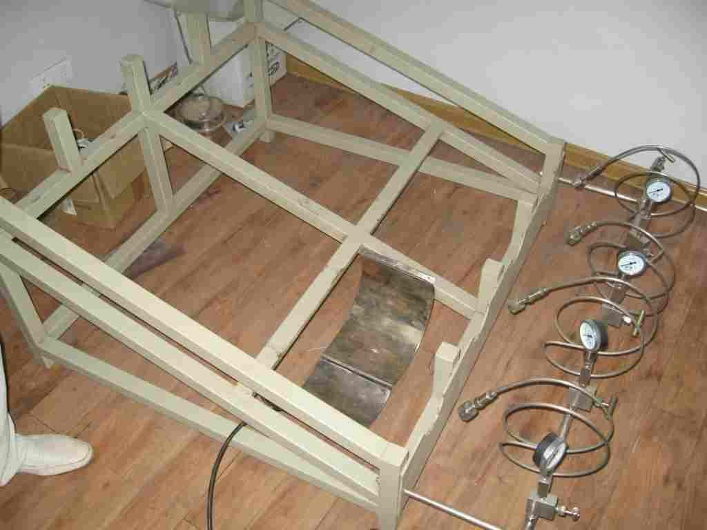 CO2 cylinders ramp