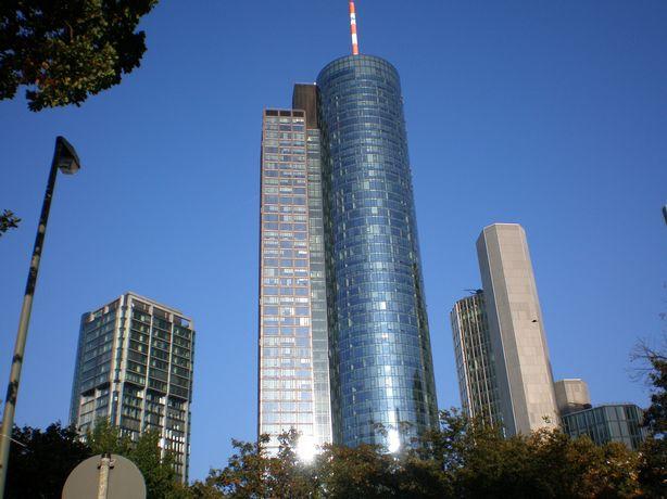 البرج الرئيسي فرانكفورت المانيا