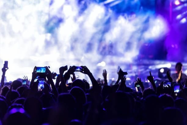 Benefits of Booking Via an Entertainment Agency