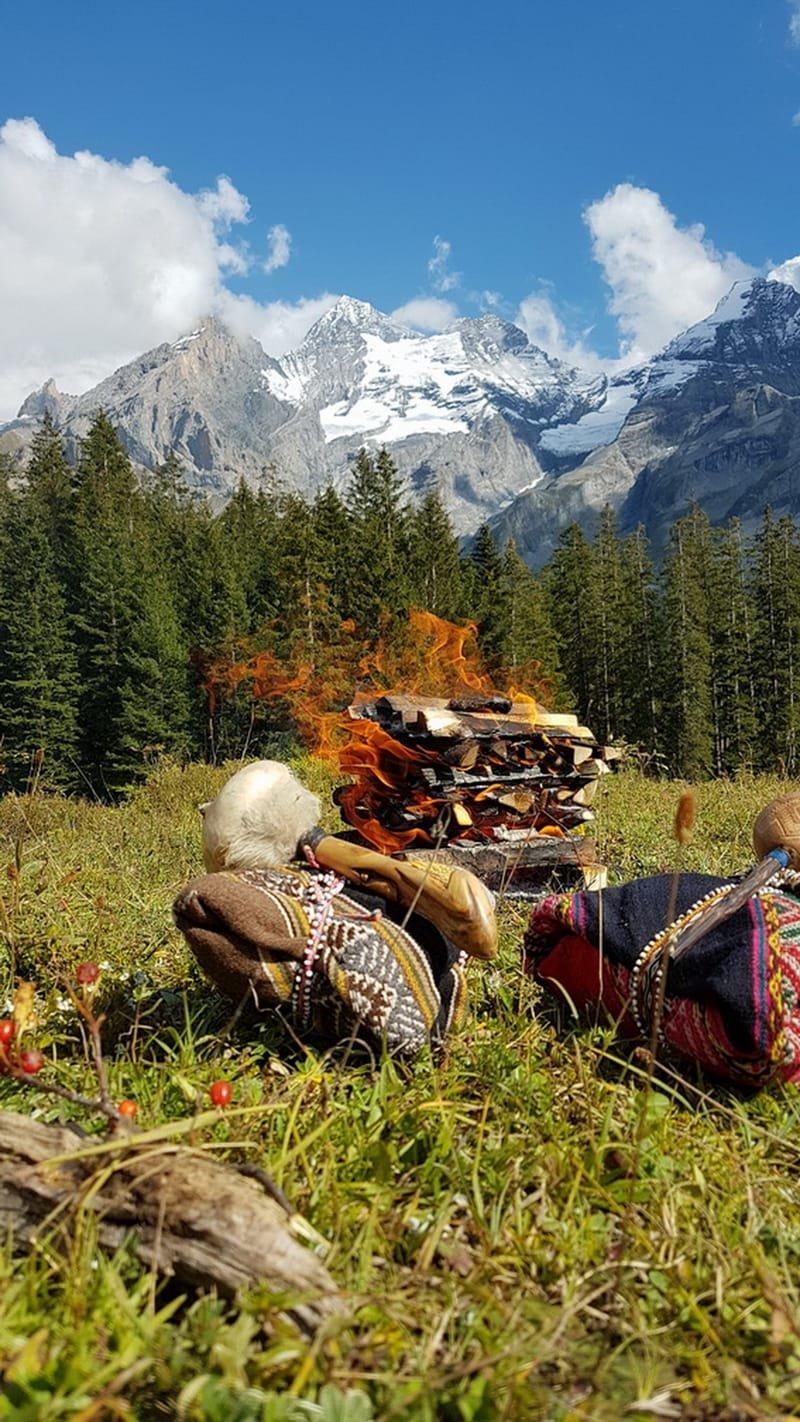 Feuerritual über dem Oeschinensee