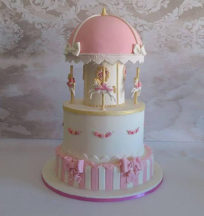 τουρτα βάπτισης απο ζαχαροπαστα carousel, ζαχαροπλαστείο καλαμάτας madame charlotte, birthday carousel theme cakes kalamata