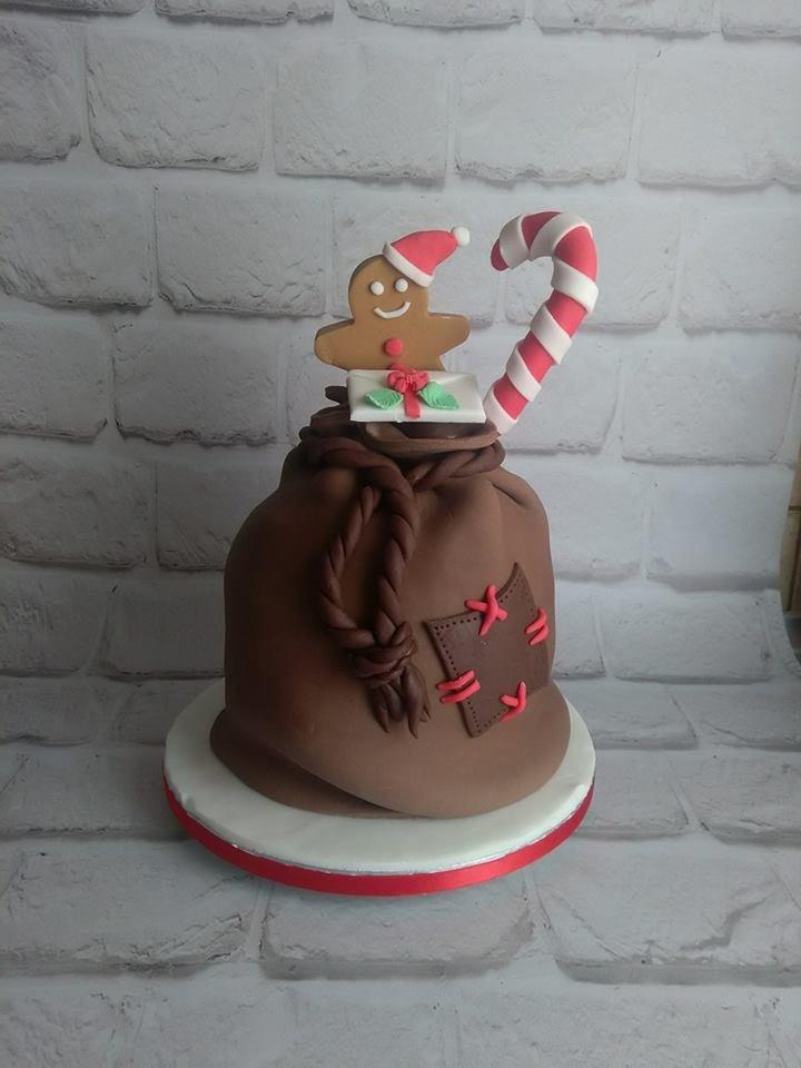 τούρτα απο ζαχαρόπαστα χριστουγεννιάτικο πουγκί, Ζαχαροπλαστείο καλαμάτα madamecharlotte.gr, birthday party cakes 2d 3d confectionery patisserie kalamata
