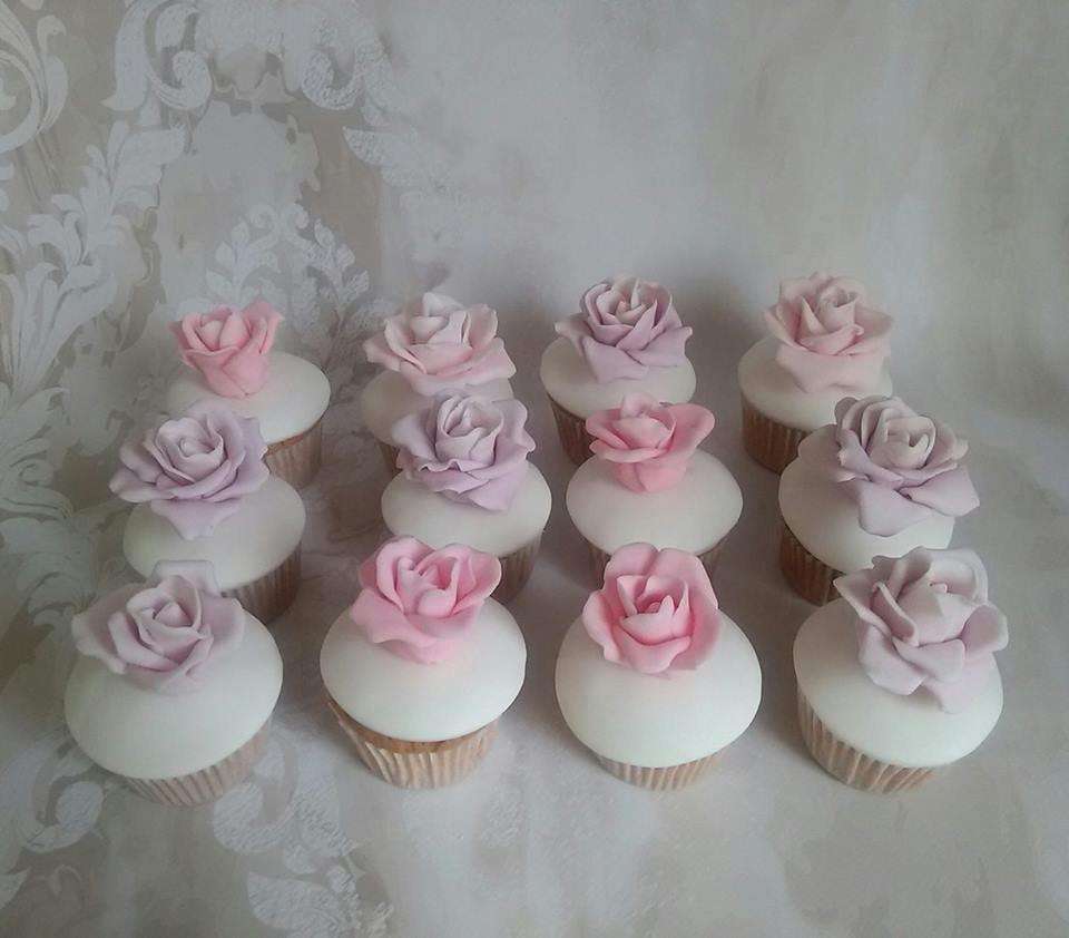 μπουφέ βαπτισης tea pot cake, ζαχαροπλαστείο καλαμάτας madame charlotte, birthday theme tea pot cup cakes kalamata