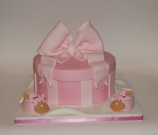 τούρτα απο ζαχαρόπαστα baby shoe box Ζαχαροπλαστείο καλαμάτα madamecharlotte.gr, birthday cakes 2d 3d confectionery patisserie kalamata
