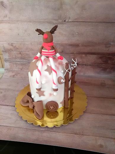 τούρτα από ζαχαρόπαστα funny deer Ζαχαροπλαστειο καλαματα madame charlotte, theme party birthday cakes 2d 3d confectionery patisserie kalamata