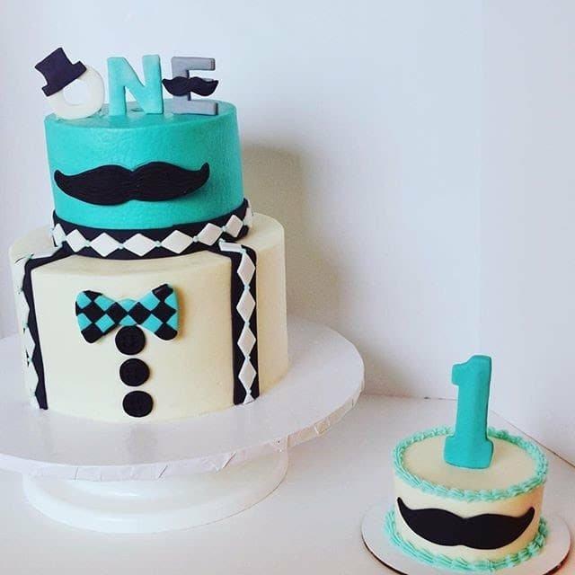 τούρτα γενεθλίων απο ζαχαρόπαστα ενός έτους mister one year old Ζαχαροπλαστειο καλαματα madame charlotte, birthday cakes kalamata
