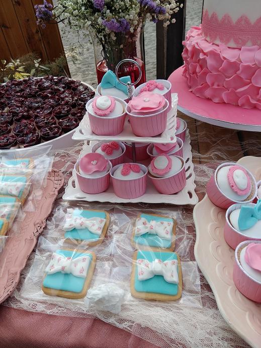 μπουφέ γλυκων βάπτισης Ζαχαροπλαστειο καλαματα madame charlotte, birthday baptism cup cakes kalamata