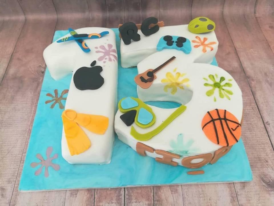 τούρτα γενεθλίων απο ζαχαρόπαστα my favorites, Ζαχαροπλαστειο καλαματα madame charlotte, birthday cakes kalamata