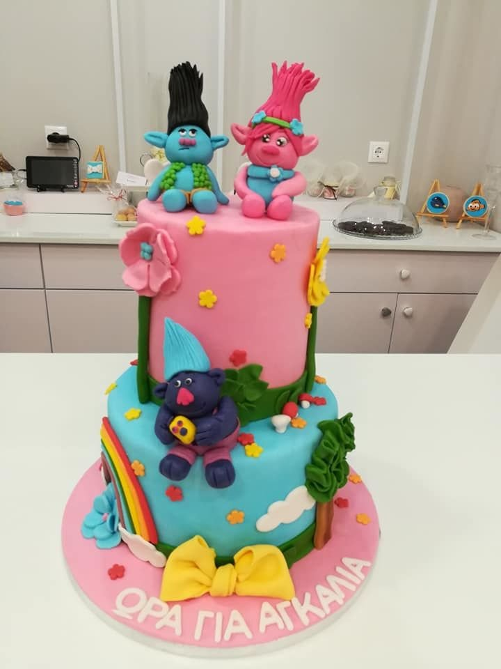 τούρτα από ζαχαρόπαστα ευχούλιδες, Ζαχαροπλαστείο καλαμάτα madame charlotte, τούρτες γεννεθλίων γάμου βάπτησης παιδικές θεματικές birthday theme party cake 2d 3d confectionery patisserie kalamata