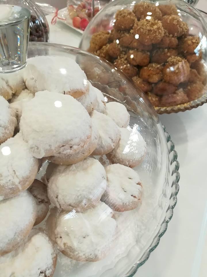κουραμπιεδες παραδοσιακοι χειροποιητοι νοστιμοι, Ζαχαροπλαστείο καλαμάτα madame charlotte, σοκολατάκια πάστες γλυκά τούρτες γεννεθλίων γάμου βάπτισης παιδικές θεματικές birthday theme party cake 2d 3d confectionery patisserie kalamata