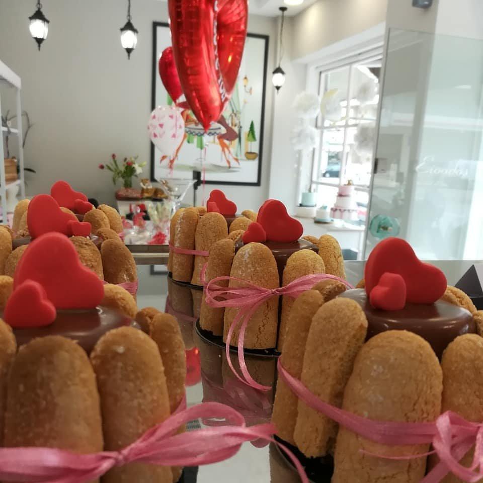 πάστα μίνι σαρλότ, Ζαχαροπλαστείο καλαμάτα madame charlotte, σοκολατάκια πάστες γλυκά τούρτες γεννεθλίων γάμου βάπτισης παιδικές θεματικές birthday theme party cake 2d 3d confectionery patisserie kalamata