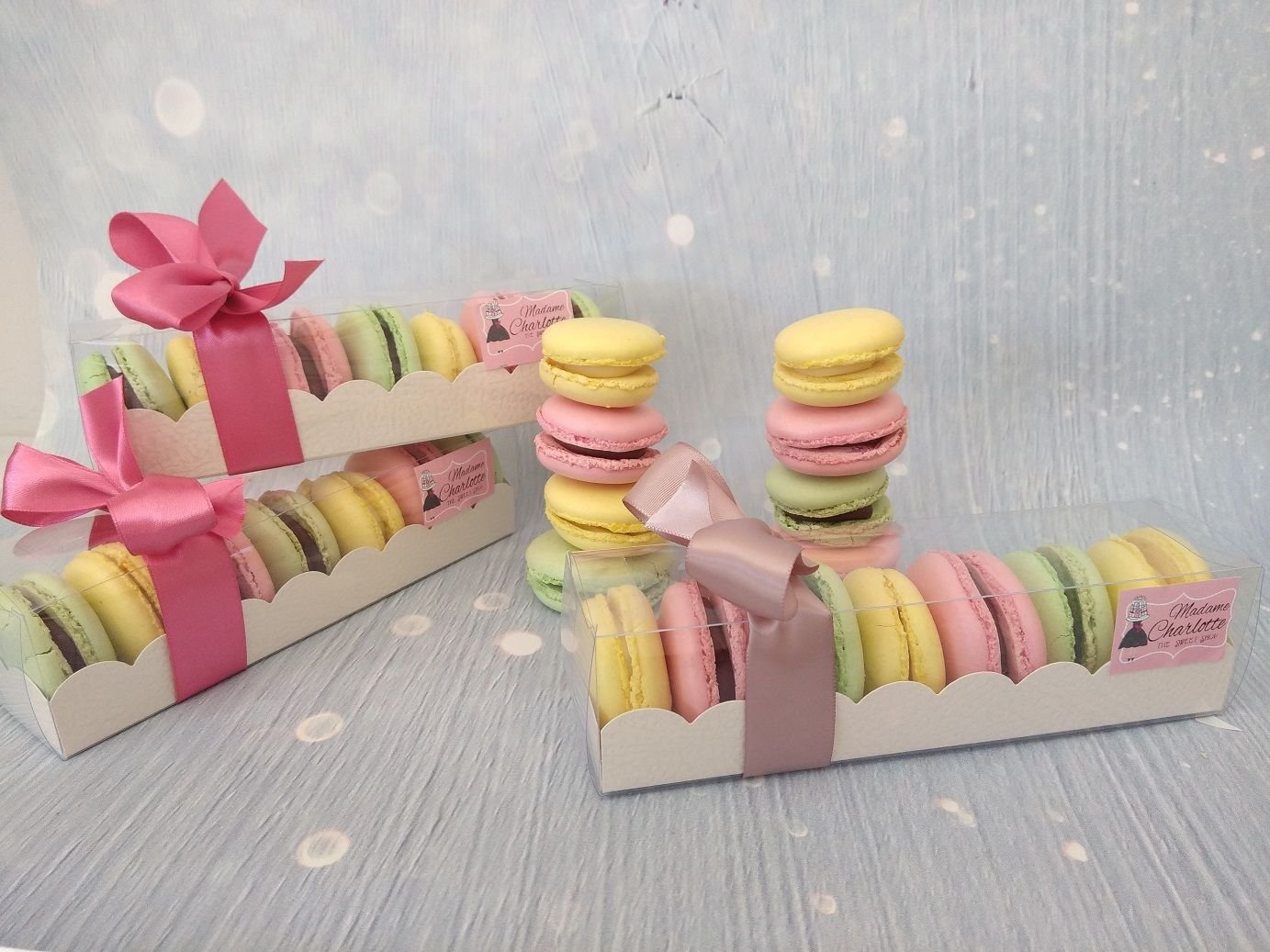 macaron, μακαρον σε διάφορα χρώματα και διαφορετικές πρωτότυπες γεύσεις, Ζαχαροπλαστείο καλαμάτα madame charlotte, confectionery, patisserie, kalamata