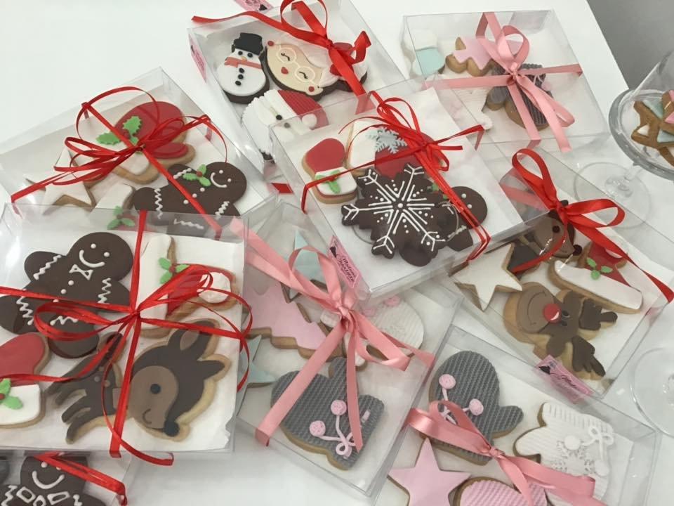 χριστουγεννιάτικα μπισκότα αγιος βασίλης ελάφι τάρανδος roudolf, Ζαχαροπλαστείο κοντά μου στη καλαμάτα madame charlotte, σοκολατάκια πάστες γλυκά τούρτες γεννεθλίων γάμου βάπτισης παιδικές θεματικές birthday theme party cake 2d 3d confectionery patisserie kalamata