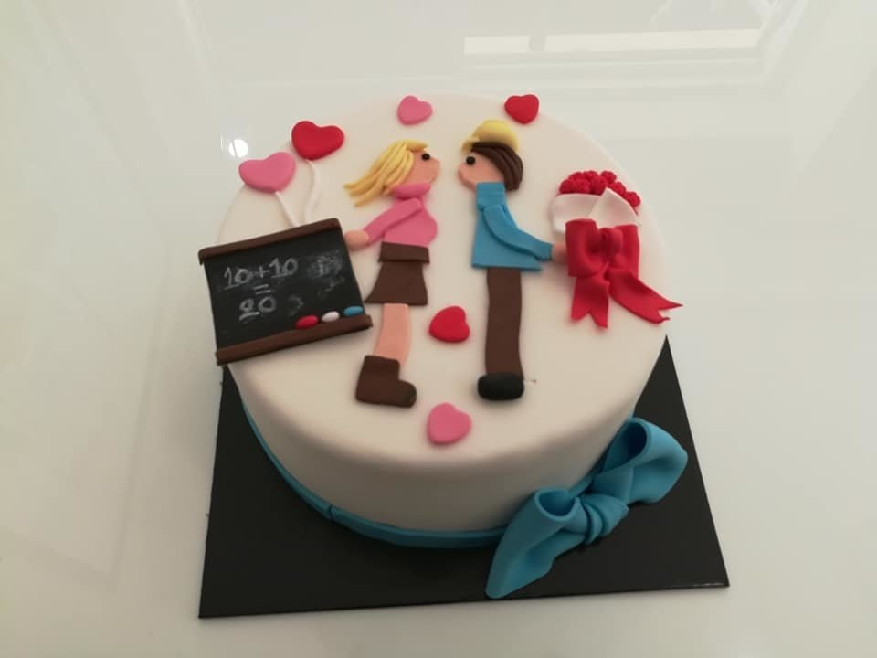 τούρτα από ζαχαρόπαστα ερωτευμένοι, Ζαχαροπλαστεία στη καλαμάτα madame charlotte, τούρτες γεννεθλίων γάμου βάπτησης παιδικές θεματικές birthday theme party cake 2d 3d confectionery patisserie kalamata