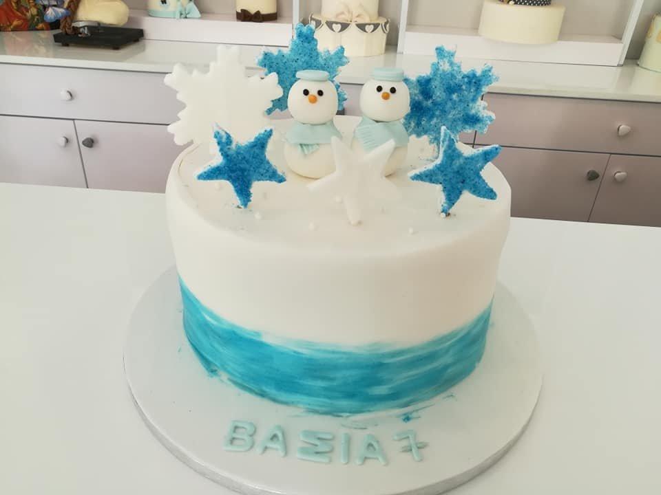 τούρτα από ζαχαρόπαστα twin snowmen, Ζαχαροπλαστεία στη καλαμάτα madame charlotte, τούρτες γεννεθλίων γάμου βάπτησης παιδικές θεματικές birthday theme party cake 2d 3d confectionery patisserie kalamata