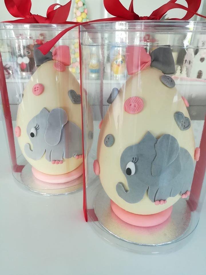 Πασχαλινό σοκολατένιο αβγό ελεφαντάκι, #sokolatenia #pasxalina #auga χειροποίητα πασχαλινά δώρα, σοκολατένια αβγά, Ζαχαροπλαστεία κοντά μου στη καλαμάτα madame charlotte, τούρτες γεννεθλίων γάμου βάπτισης παιδικές θεματικές handmade easter gifts chocolate eggs confectionery patisserie kalamata