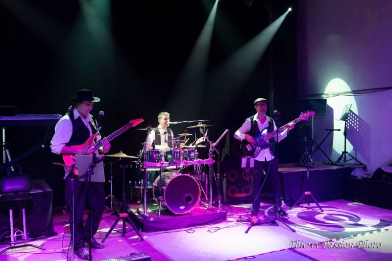ZIK'A3 trio, pop, folk, rock, reggae