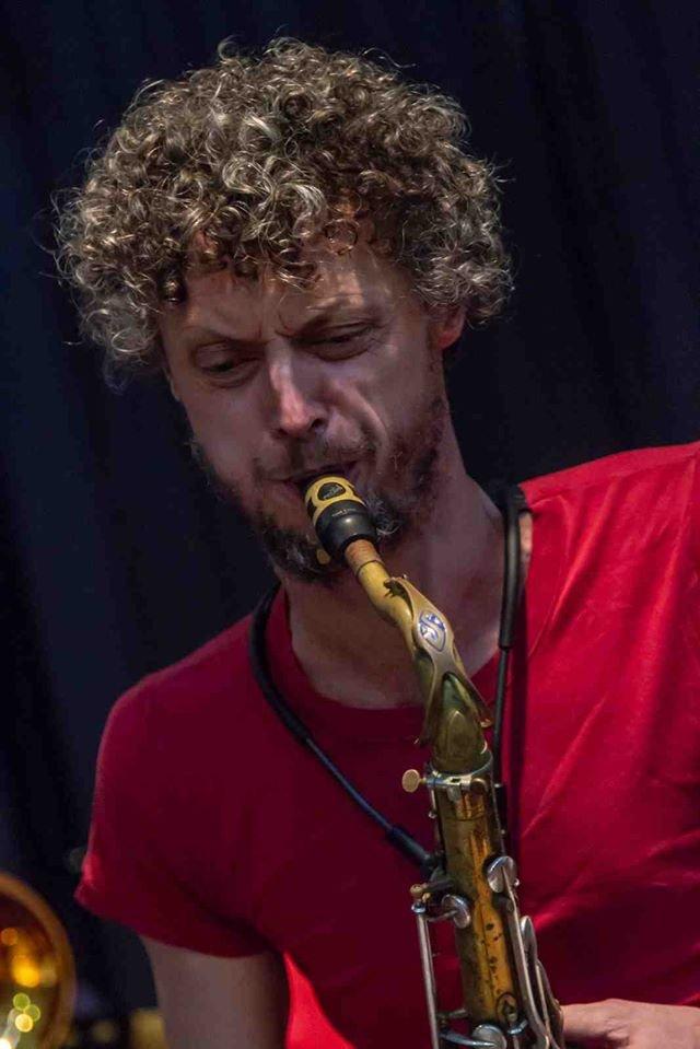 YO NEL, saxophoniste