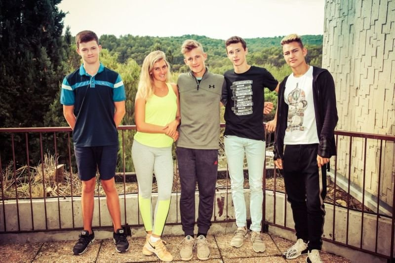 FRENCH LANGUAGE CAMPS