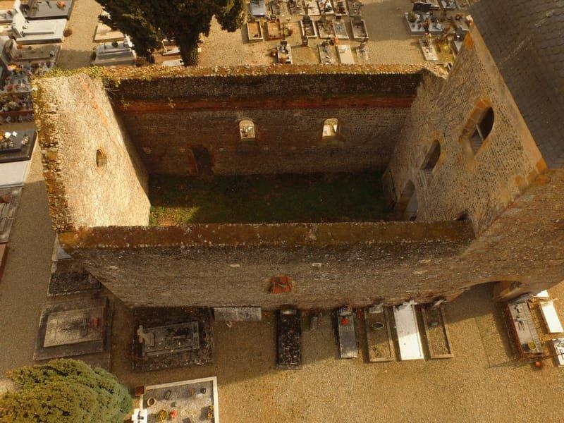 Vue rapprochée chapelle cimetière de Riscle.