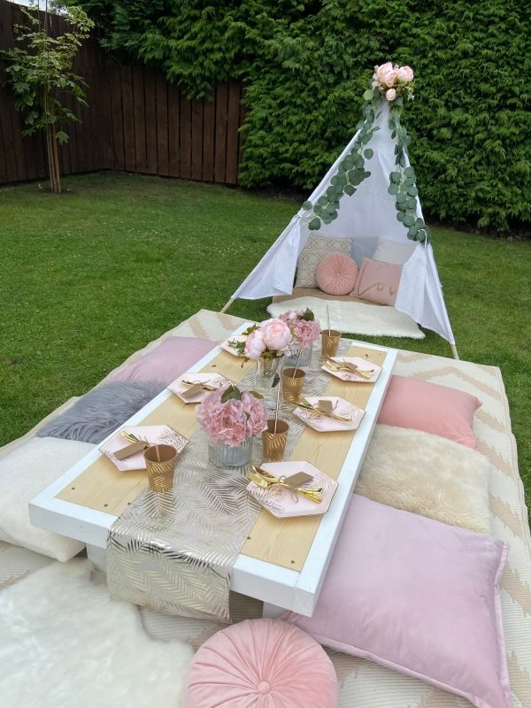 Luxury Picnic Table Hire