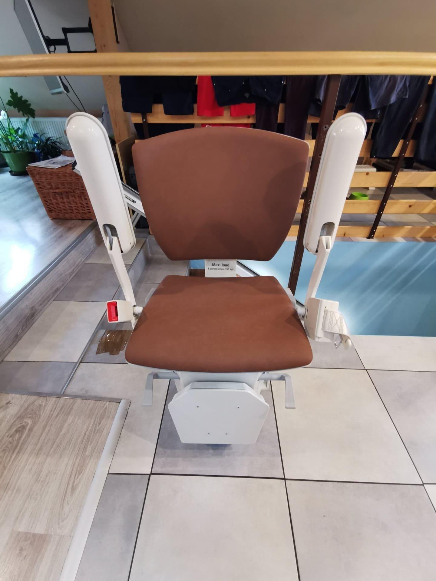 krzesełko przyschodowe dla seniora