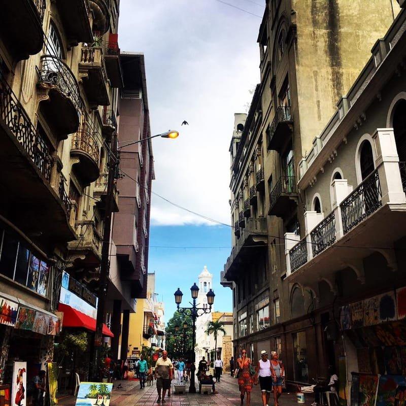 Calle El Conde, photo by Jack Loomes