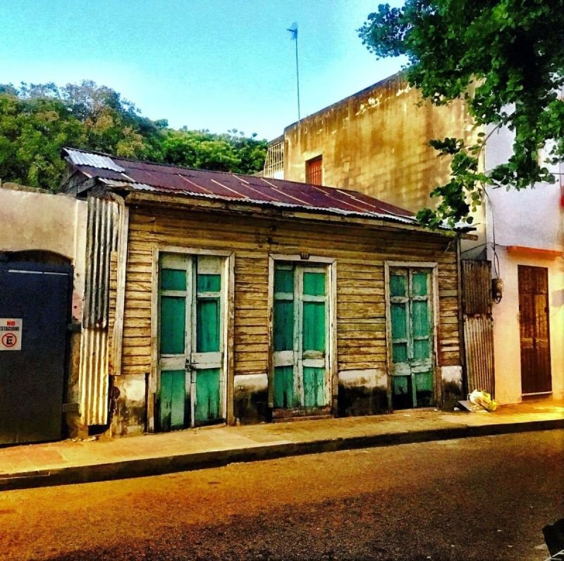 Wooden House in Zona Colonial, photo by Jack Loomes