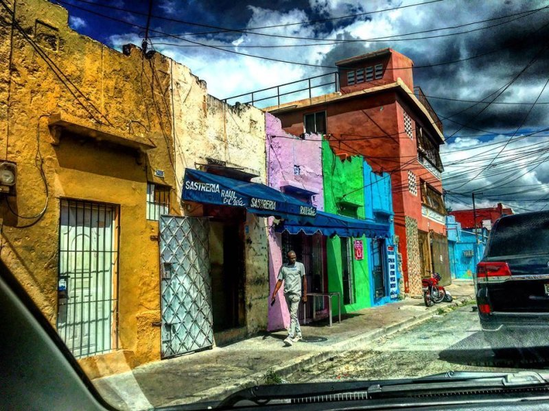 Sector Duarte in Santo Domingo. Photo by Jack Loomes.