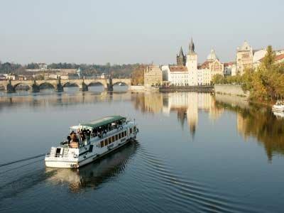 River VLTAVA /Moldva/