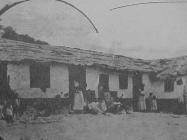 אחד הבתים הראשונים ב Morro da Providencia 1905  (Foto: Renascença)