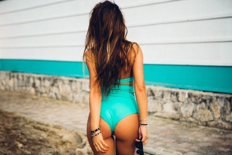 The Advantages of Buying Swimwear