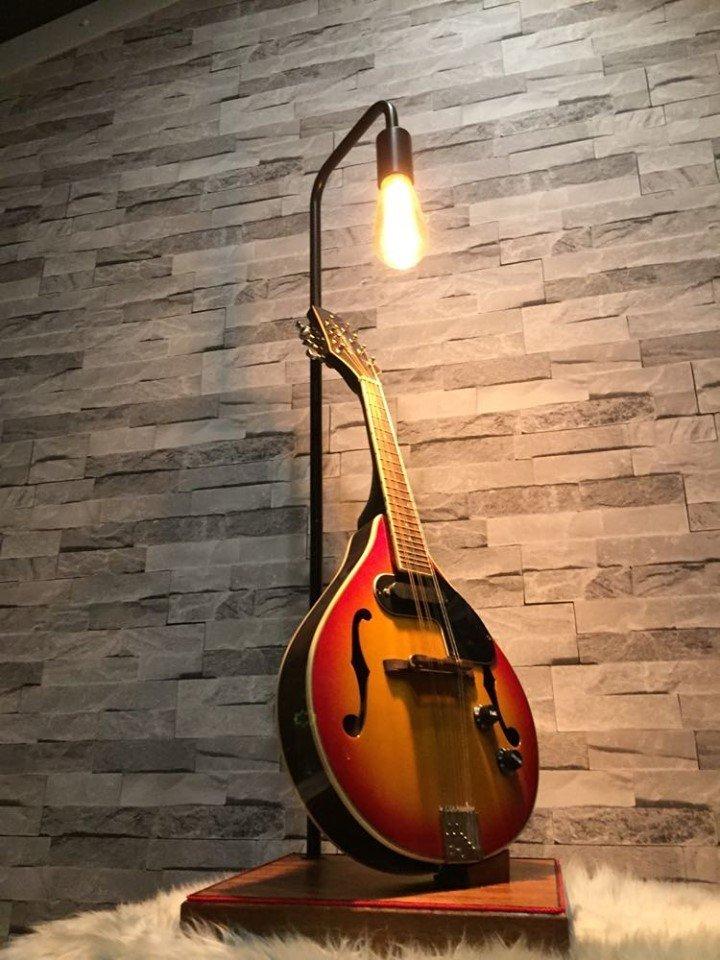 Mandolin lamp