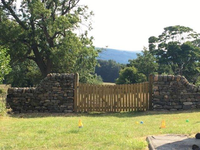 Garden gate way