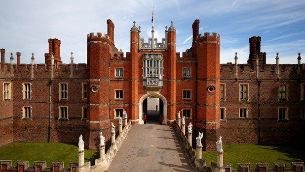 Windsor Castle and Hampton Court Private Car Tour