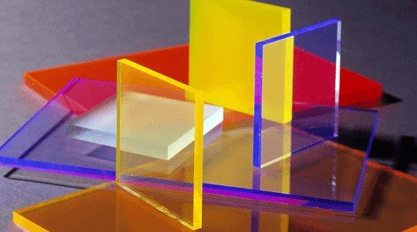 Acrylic vs Polycarbonate