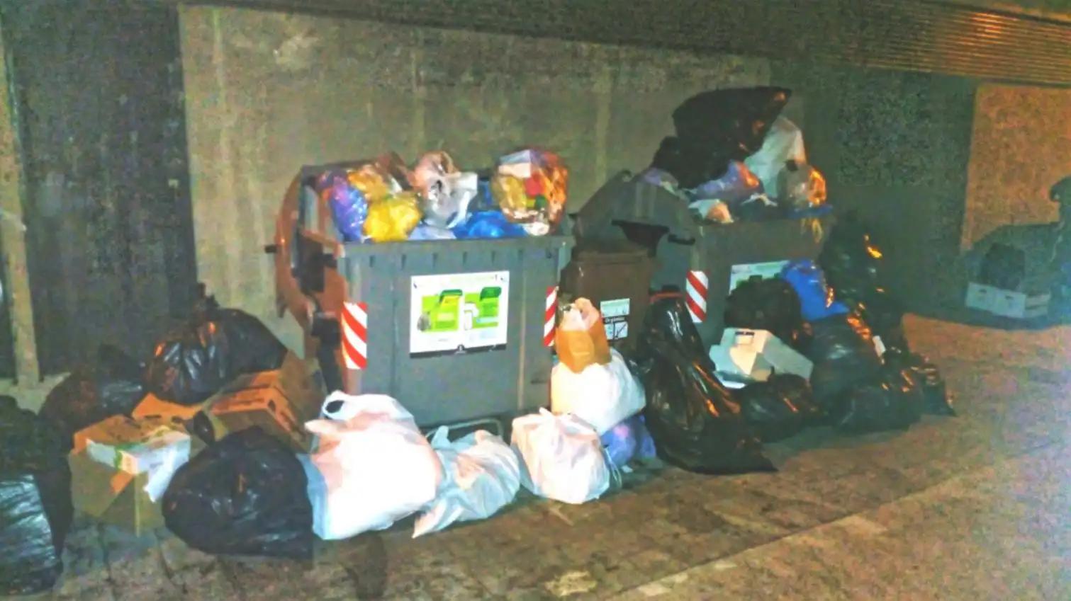estartit deixalles contenidors abocador urbà