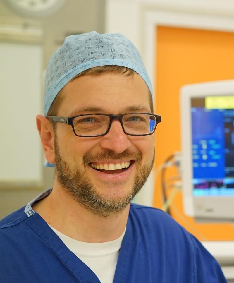 Dr Henrik Reschreiter FRCA EDIC DICM FFICM