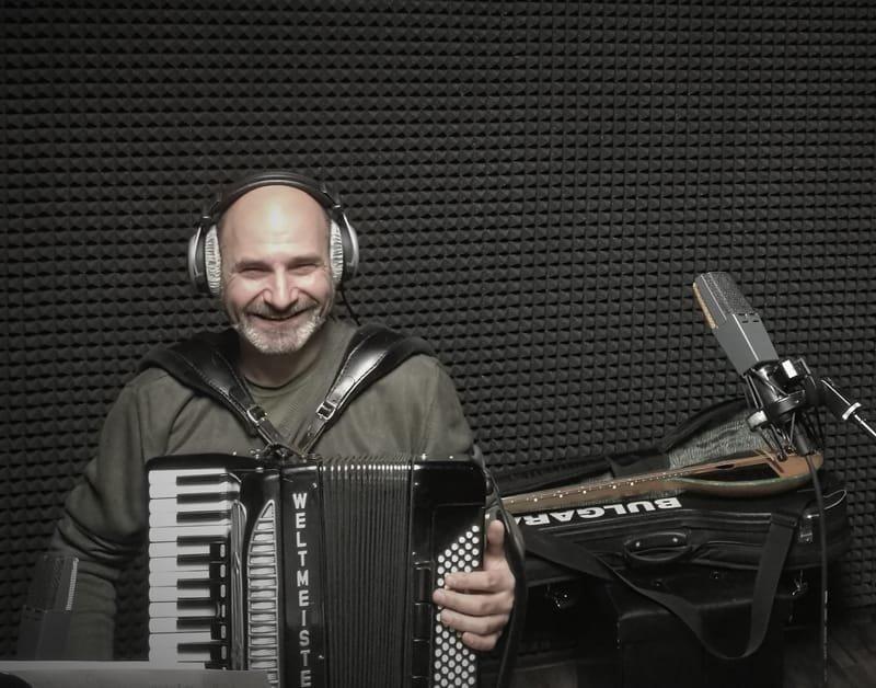 Dimitar Tishelov - accordeon player