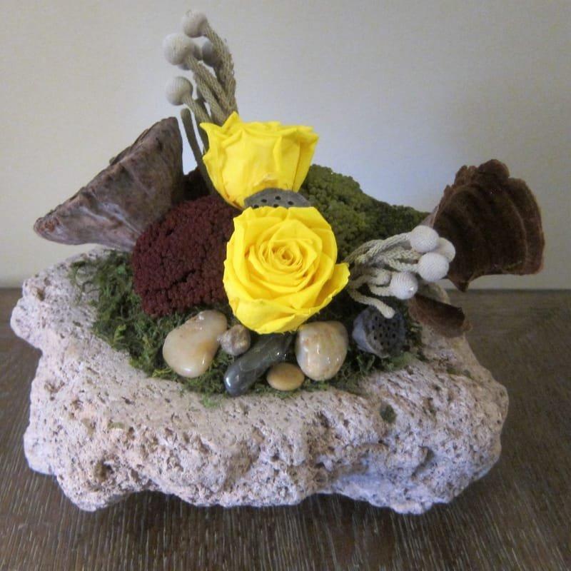 110 Lava rock yellow roses