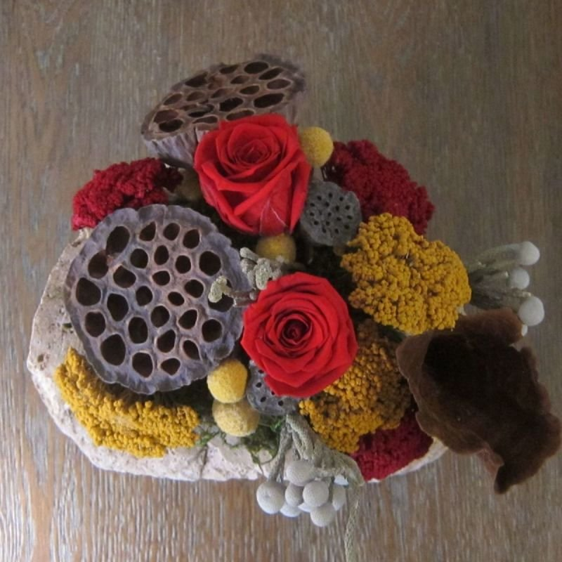 115 Lava Rock with Red Roses