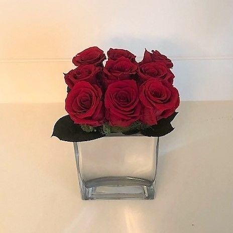116 Square cube 9 roses