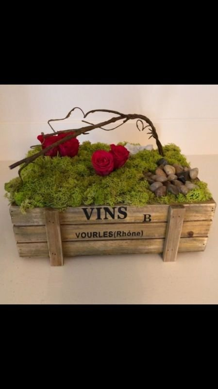 117 Wooden Box Preserved moss, rocks, and roses