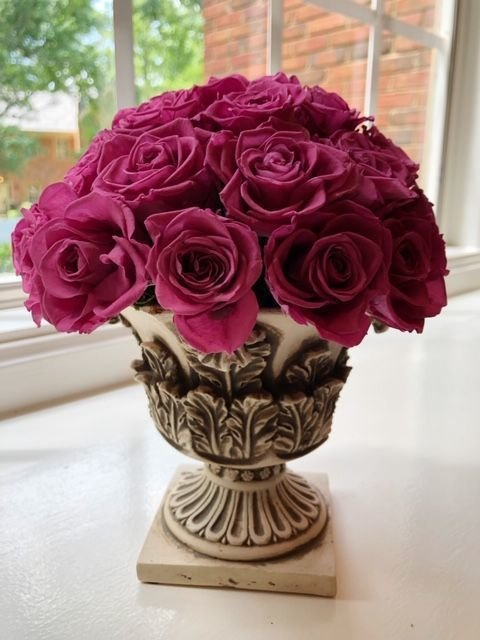 126 32 Mini Preserved Roses on Pedestal Vase