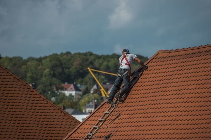 Some Helpful Highlights on How to Hire a Reputable Roofing Contractor