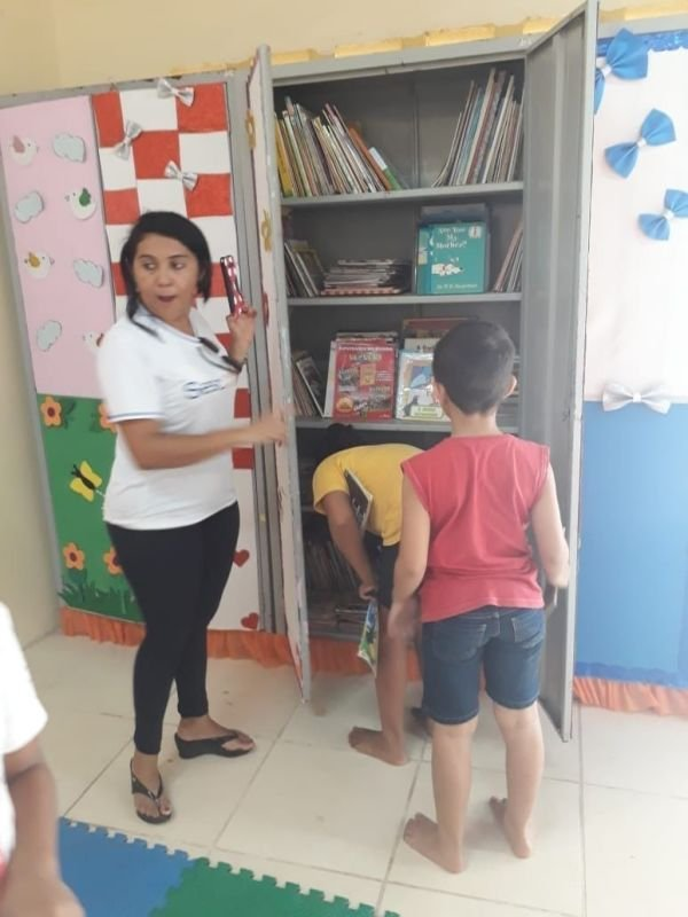 Monitora voluntária